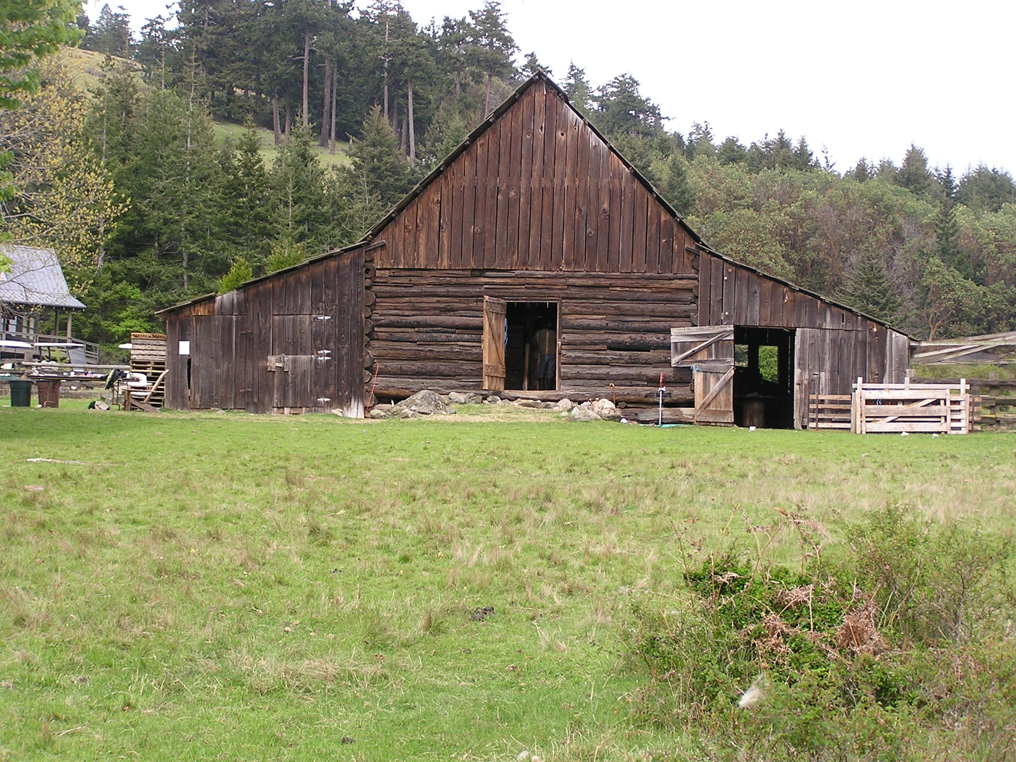 Outer islands historic barns of the san juan islands for Log barn homes