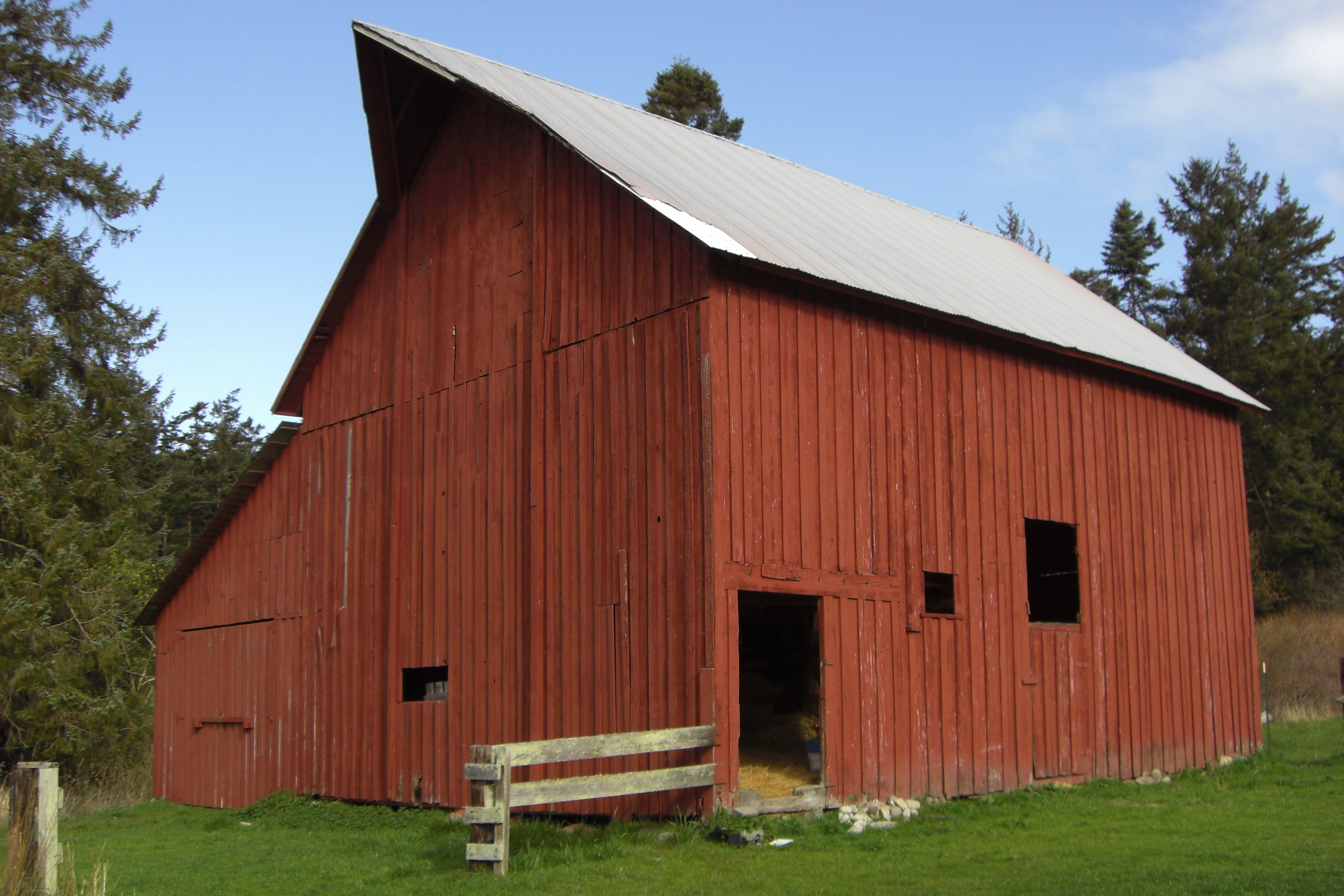 Saltbox historic barns of the san juan islands for Saltbox barn